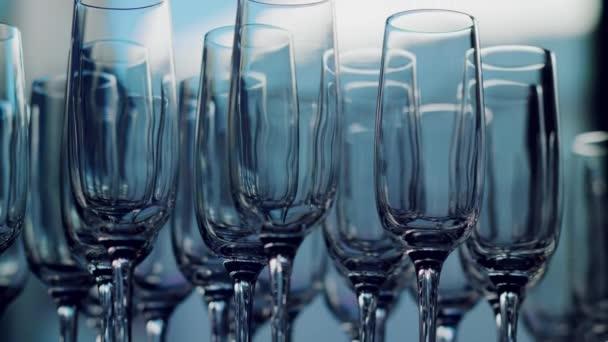 Gläser für Champagner bei der Hochzeit
