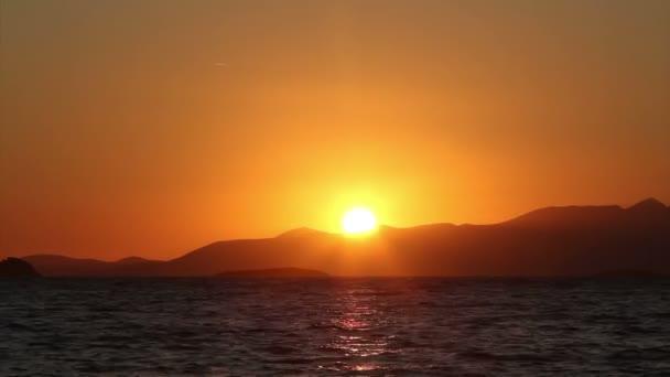 Pobřežní město Turgutreis a velkolepé západy slunce