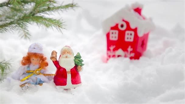 Karácsonyi díszek a természet játékokkal a Mikulás és a hó leánykori 1920-ban Hd