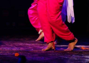 """Картина, постер, плакат, фотообои """"индийский классический танец в ногах с музыкальным браслетом с выборочным фокусом и размытием """", артикул 307020720"""