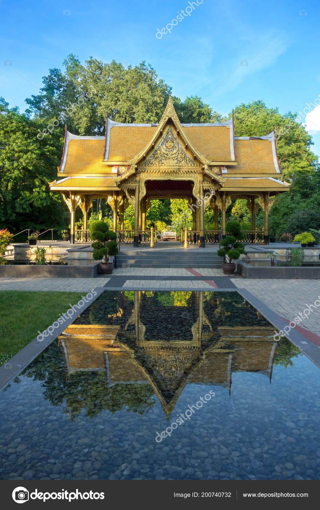 Fall Comes To Garden Of Thai Pavilion >> Thai Pavilion In Olbrich Botanical Gardens In Madison Wisconsin