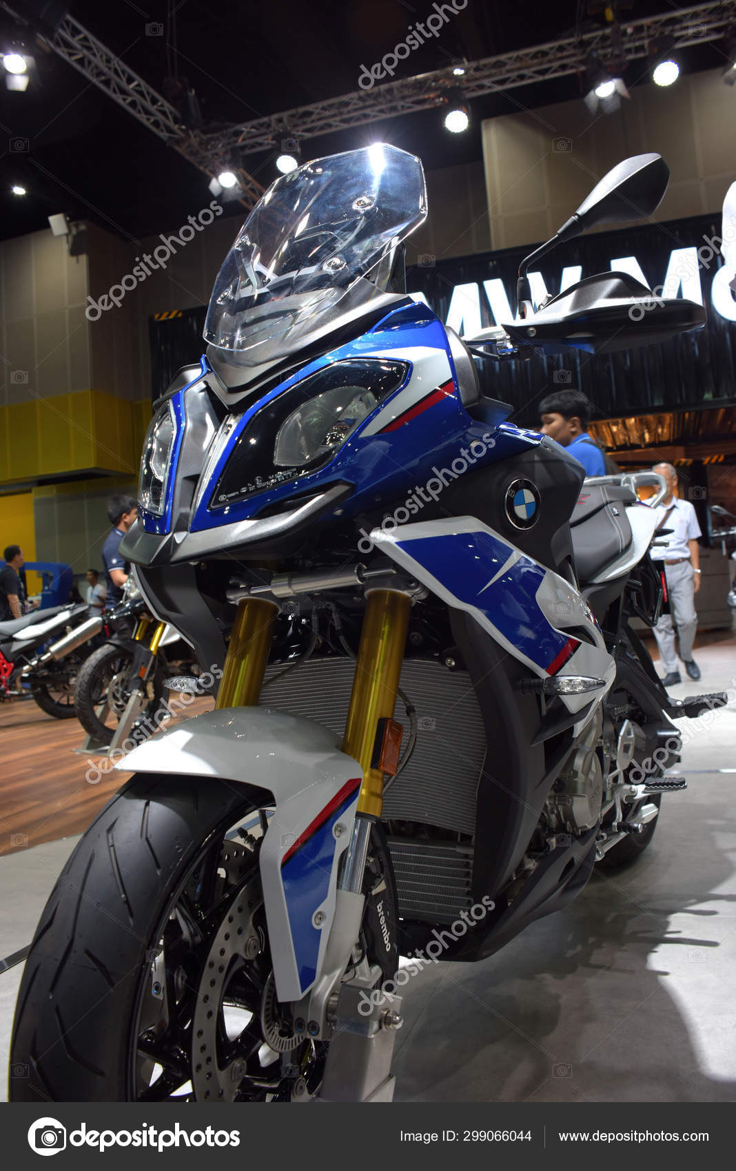 Trade Motorcycle For Car >> Car Brand Related Items Come Out Trade Shows Big Motor