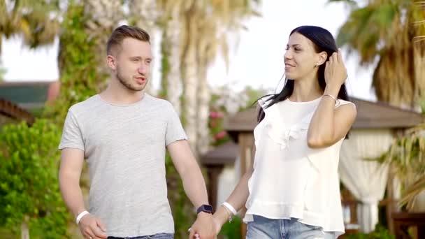 molodaya-zhenshina-v-gostinitse-s-lyubovnikom-video
