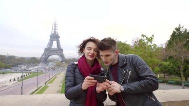 gay datování smartphone online seznamka s chatem zdarma