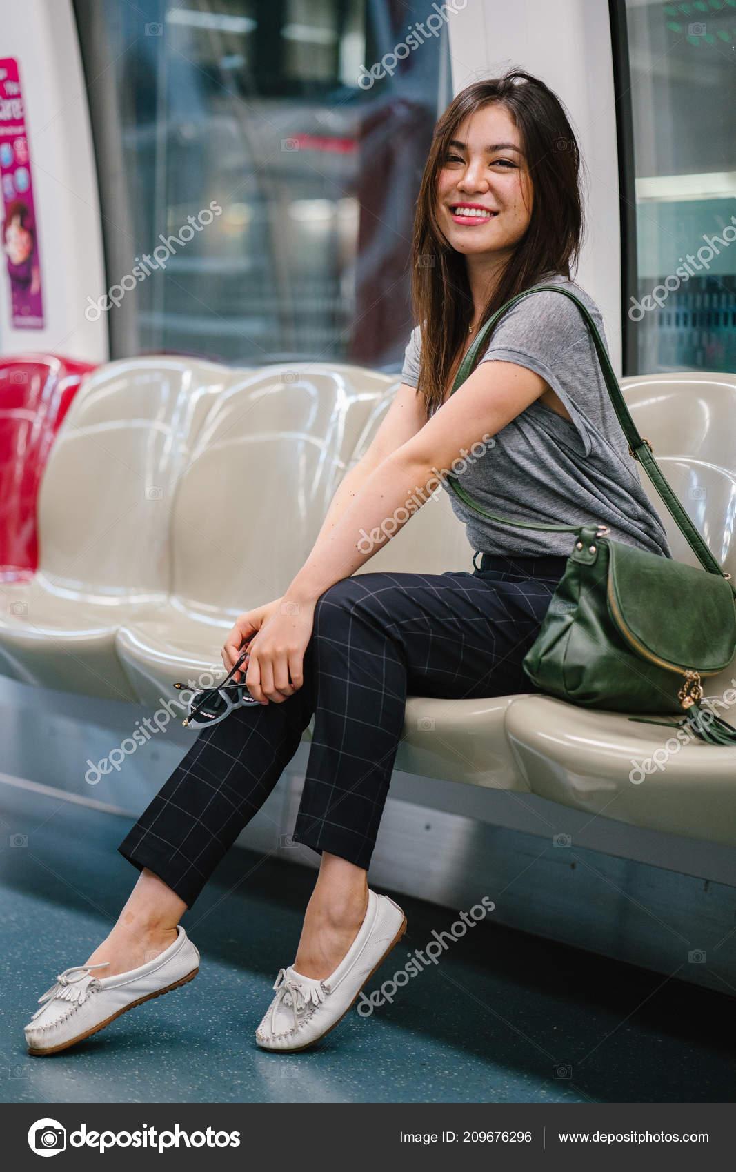 Photographer Fucks Model Asian