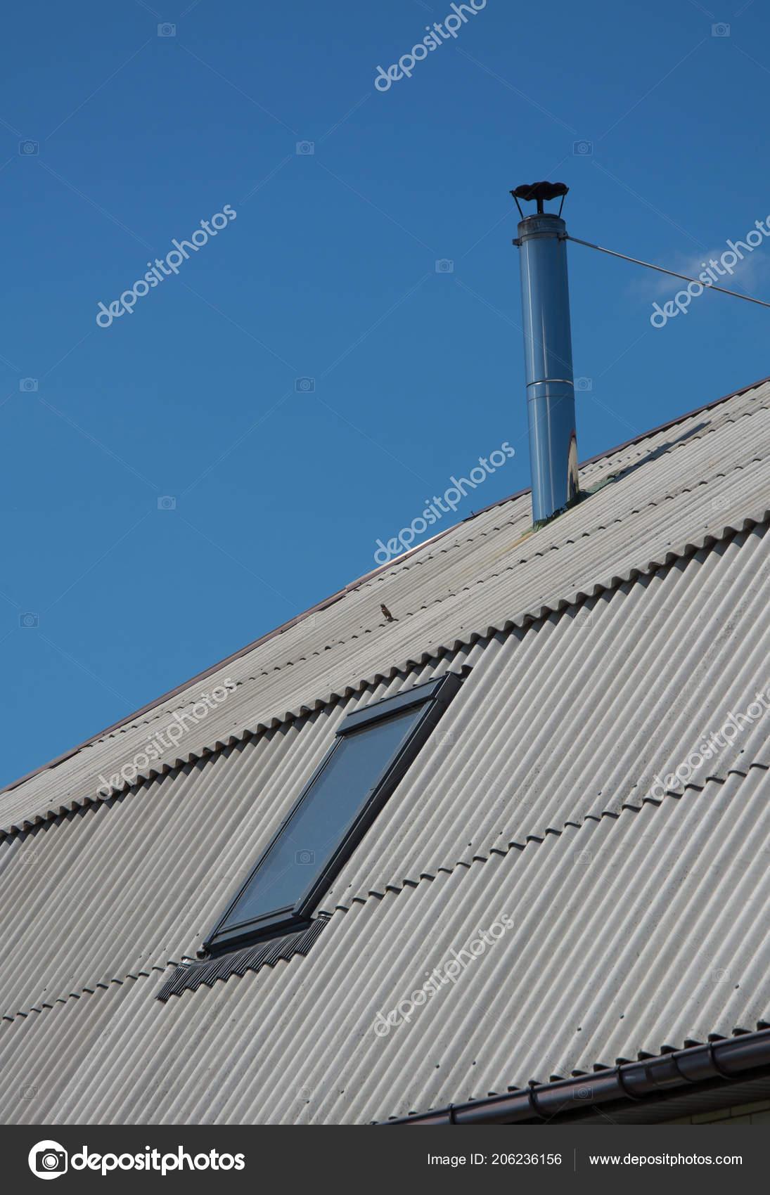 Шиферная крыша и дымоходы какие камины лучше топки или из кирпича