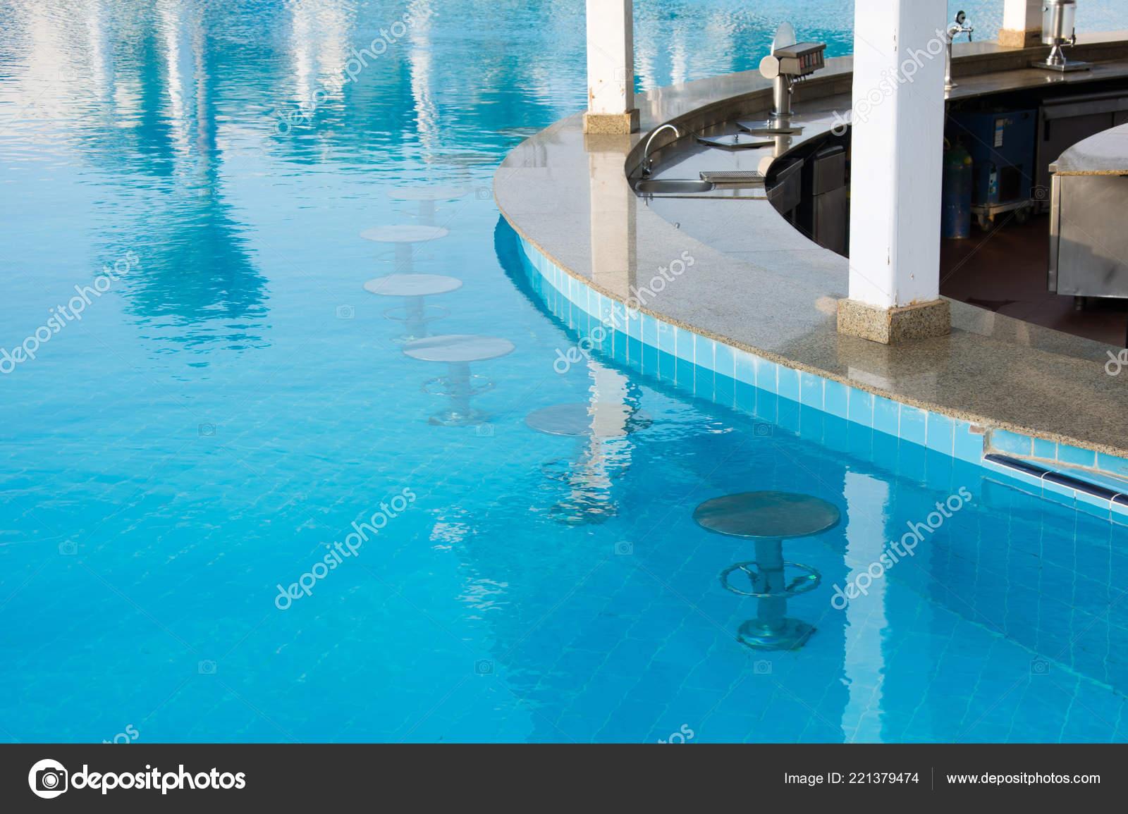 Underwater swimming pool bar stools | Swimming Pool Bar Area ...
