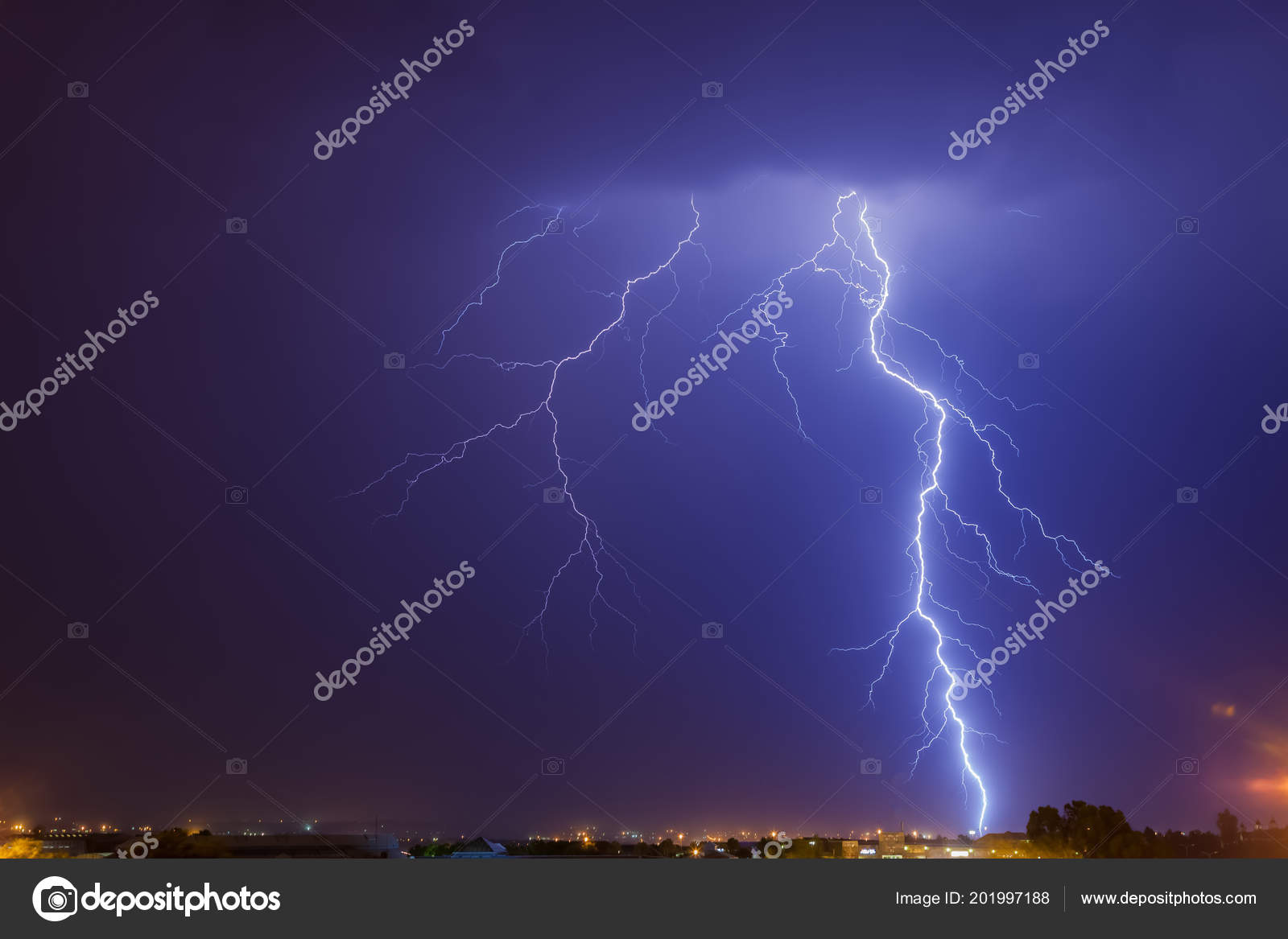 cloud ground lightning strike johannesburg night time region south