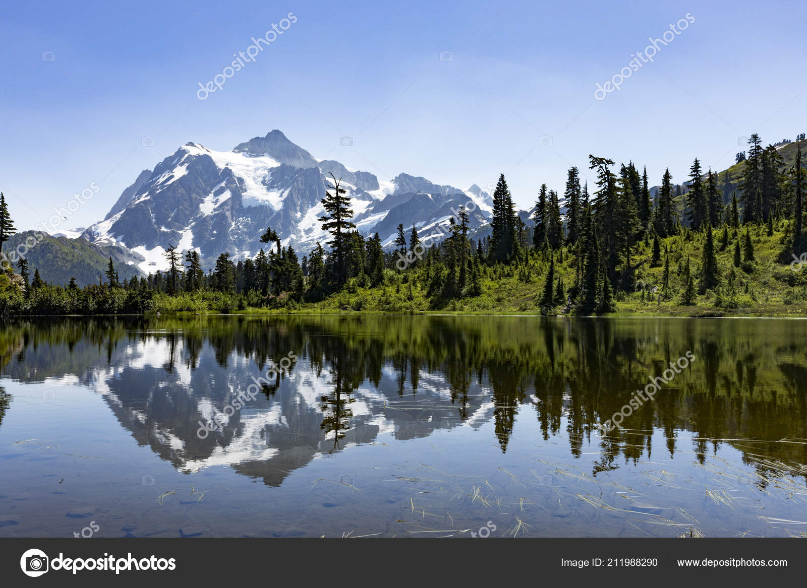 Picture Lake Shuksan Mountain Background U2014 Stock Photo