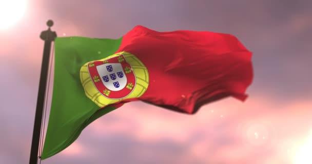 Zászlaja Portugália integetett a szél lassan a naplemente, hurok