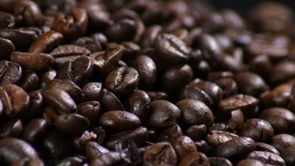pražená kávová zrna rotační