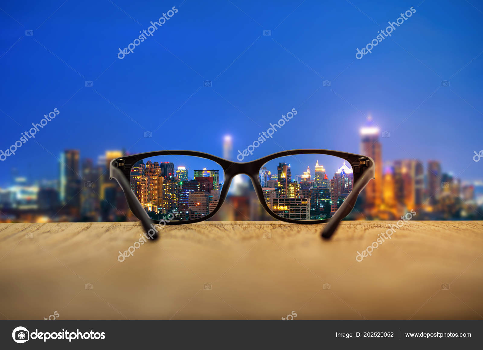 89e9570c47 Clear Cityscape Focused Glasses Lenses Blurred Cityscape Background — Stock  Photo