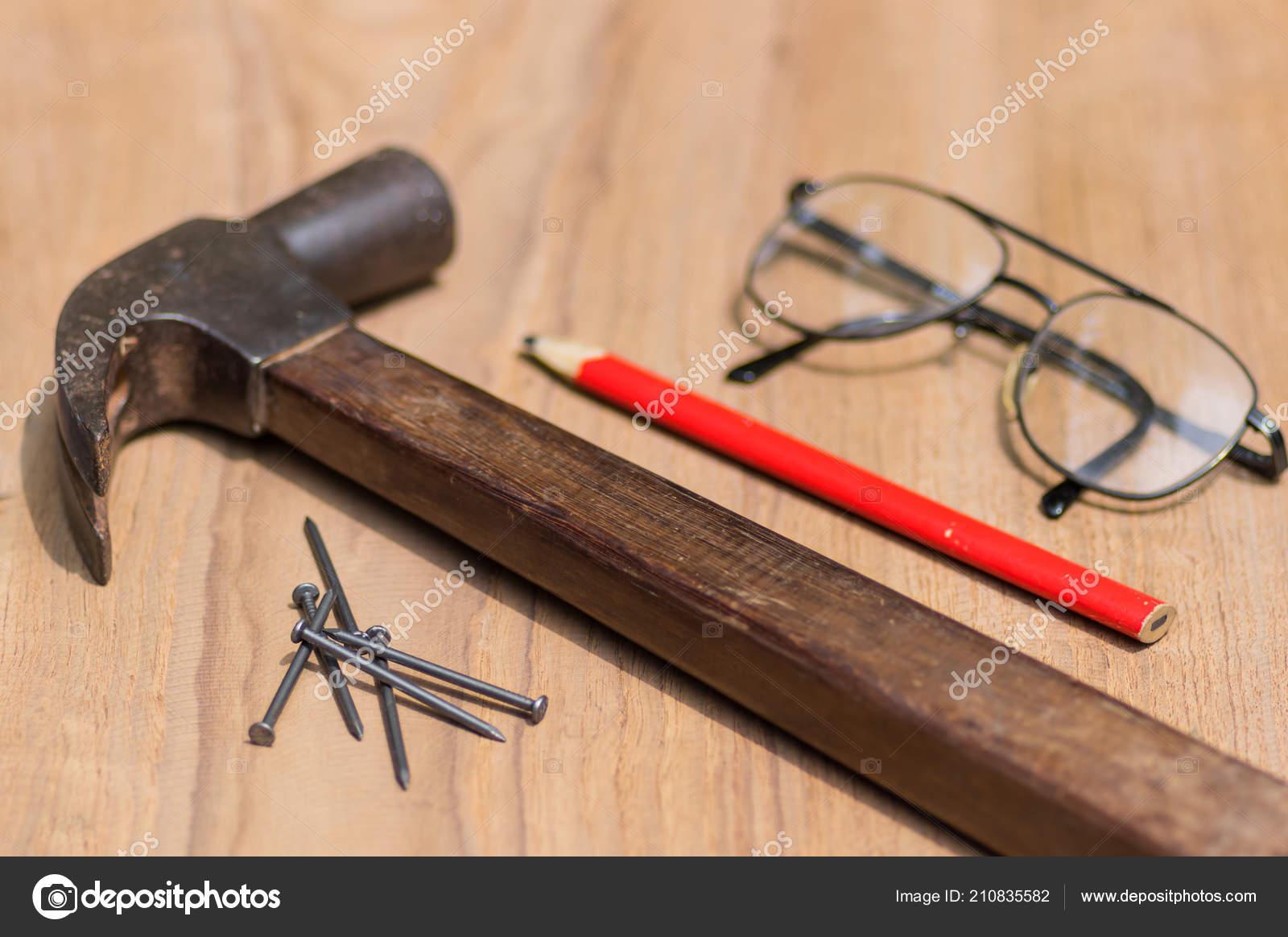 Betere Gereedschap Set Van Timmerman Met Hamer Spijker Potlood Brillen VH-18