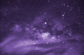 Fényképek Ultra violet hang, Tejútrendszer, csillagok és hely por a világegyetem, a sebesség hosszú expozíció, a hang lila trend.