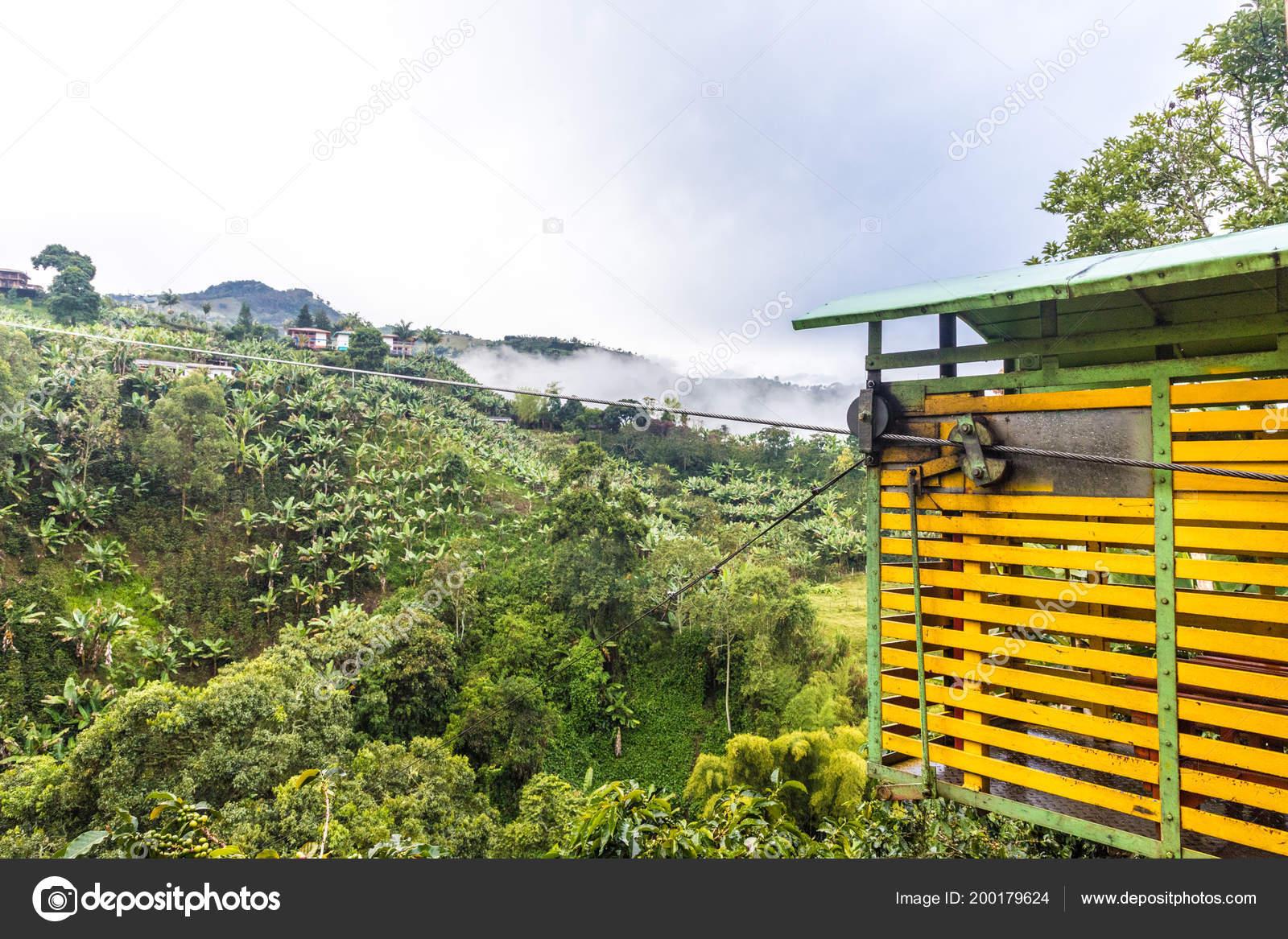 La Ville Pittoresque Colore Du Jardin En Colombie Photo Editoriale