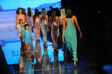 MIAMI BEACH, FL - JULY 15: Models walk the runway finale for Pitusa during the Paraiso Fasion Fair at The Paraiso Tent on July 15, 2018 in Miami Beach, Florida.