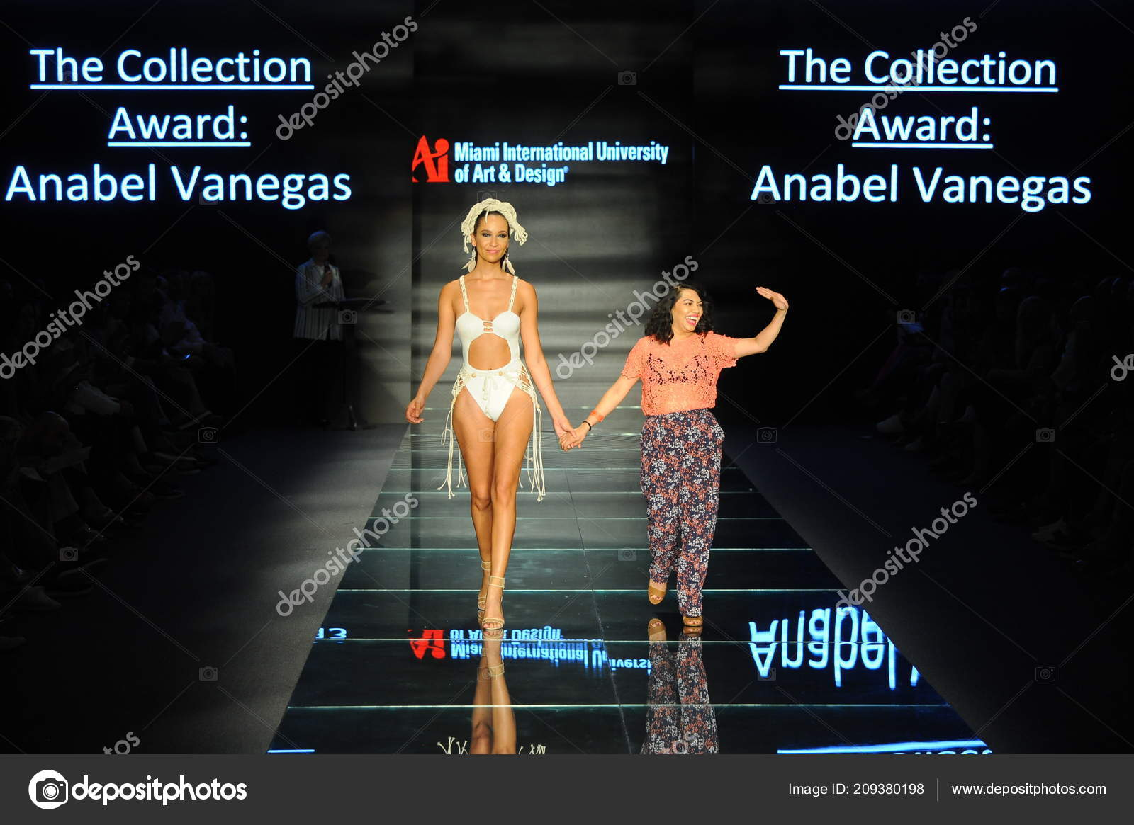 Miami Beach July Anabel Vanegas Model Walk Runway Fashion Show Stock Editorial Photo C Fashionstock 209380198