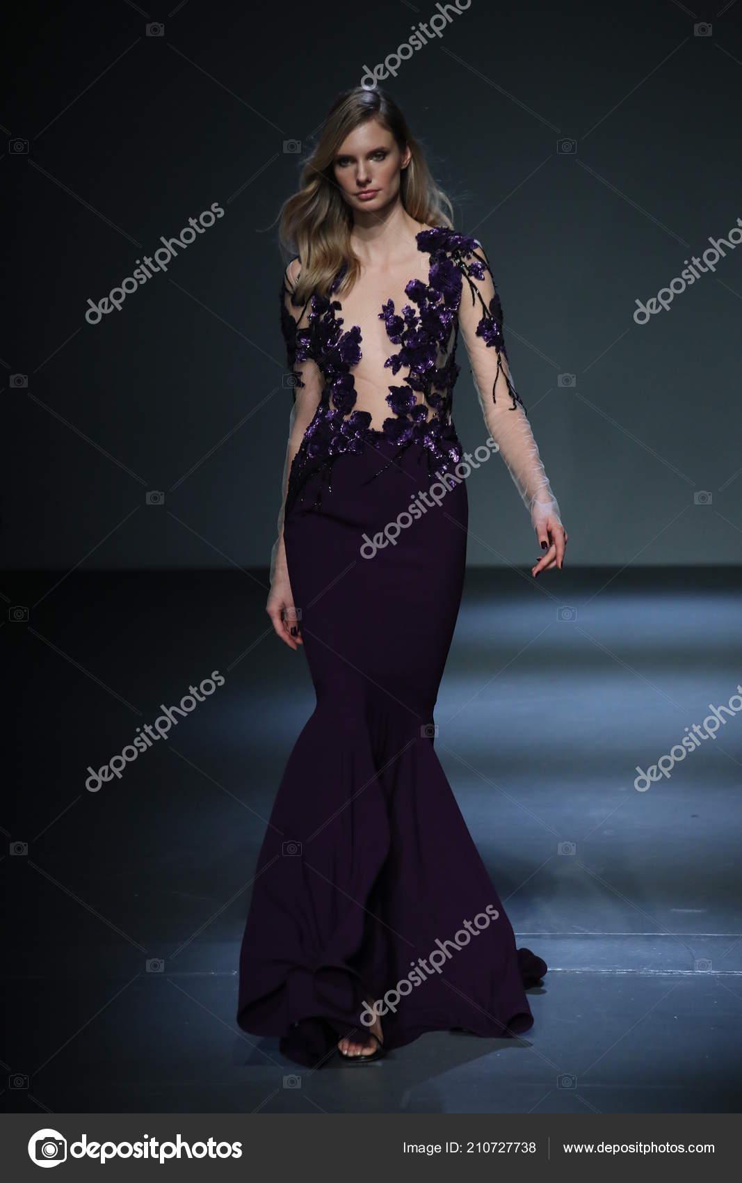 New York February Model Walks Pamella Roland Runway February