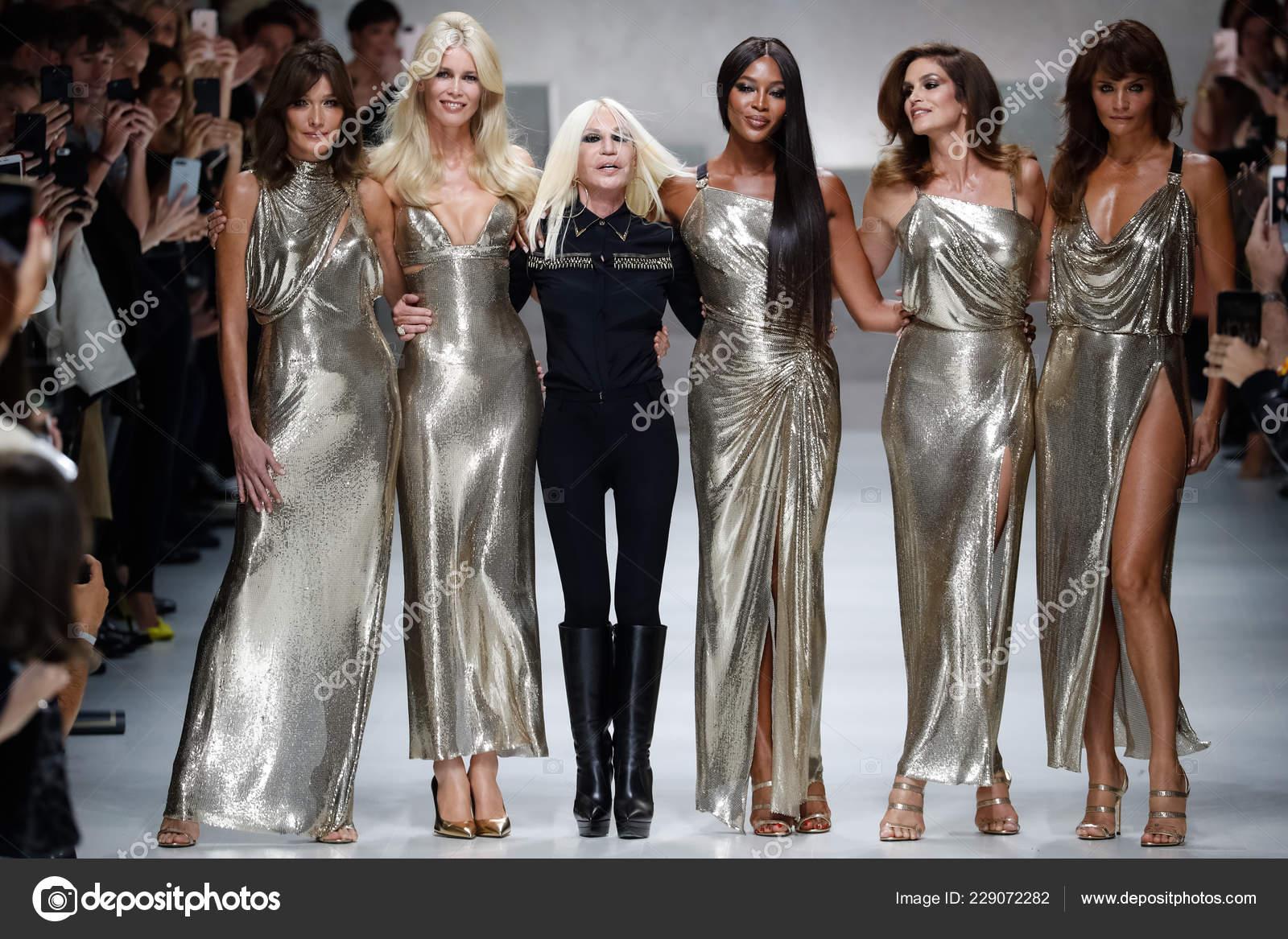 Milan Italy September Carla Bruni Claudia Schiffer Naomi Campbell Cindy Stock Editorial Photo C Fashionstock 229072282