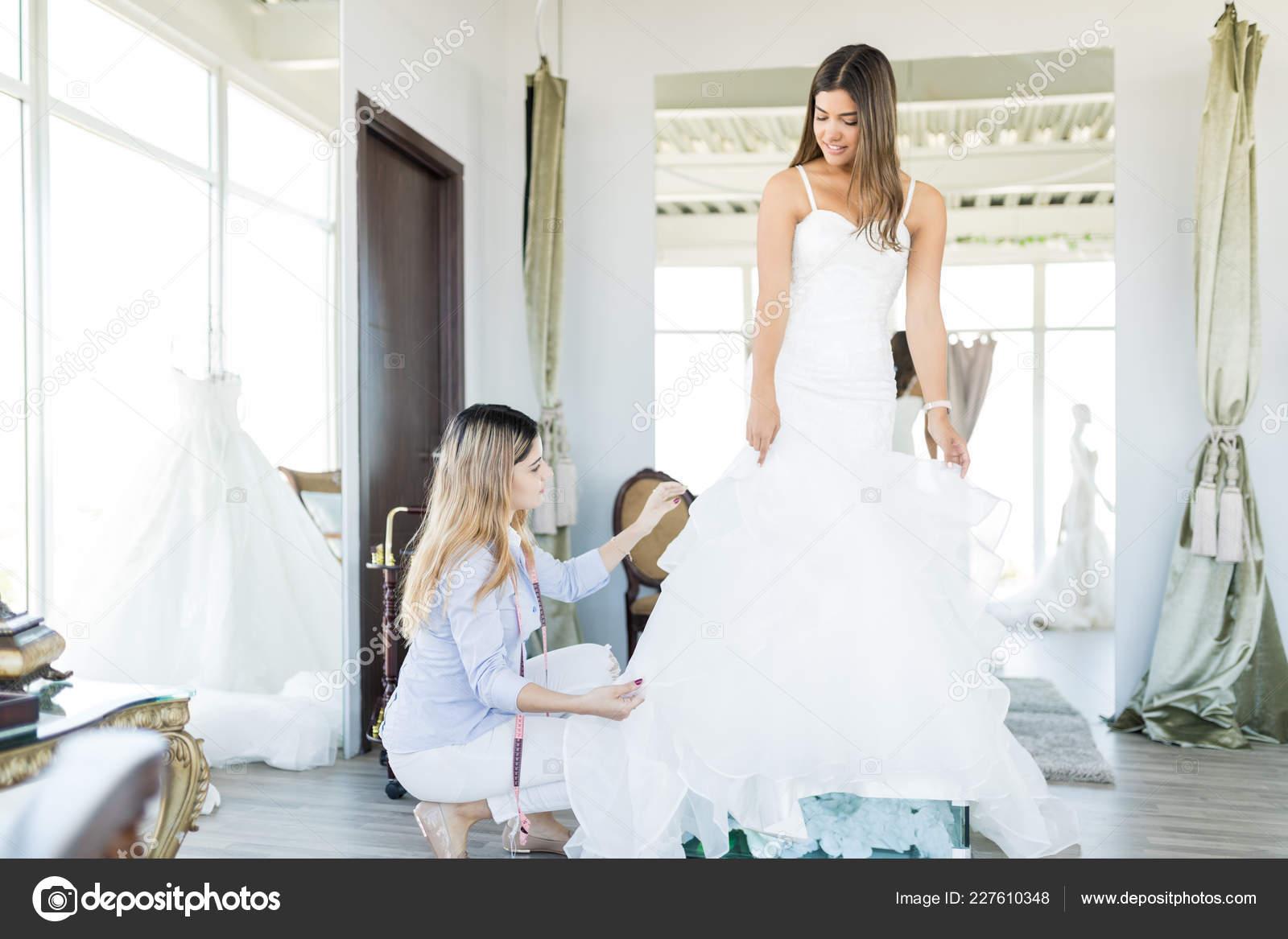 Corrección Adornos Del Vestido Novia Usado Por Compradores