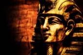 maschera di pietra antico faraone Tutankhamen