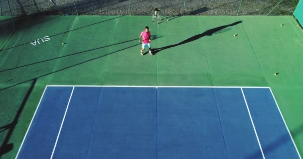Letecký pohled na tenisový hráč
