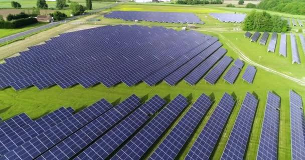 Solární panely v letecký pohled
