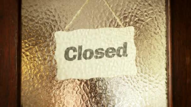Zavření otevřené dveře Sign Videotitle obrazovku