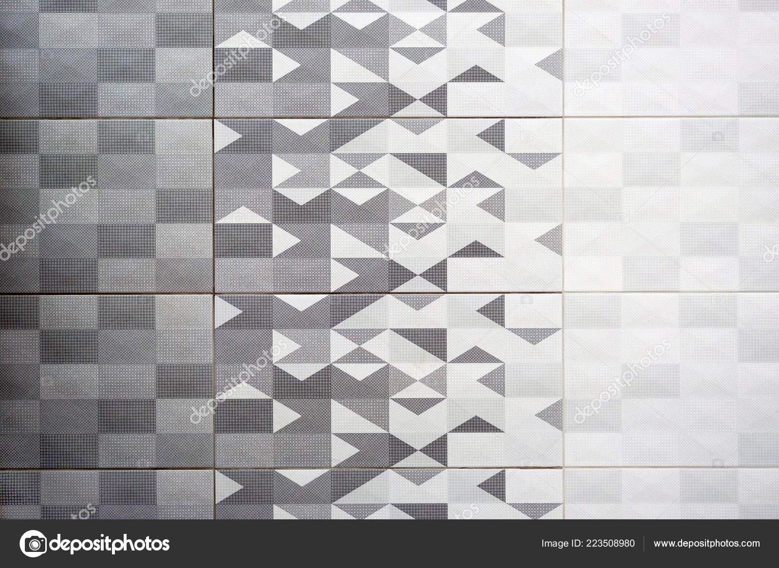 Piastrelle ceramica grigio quadrato scuro senza giunte struttura