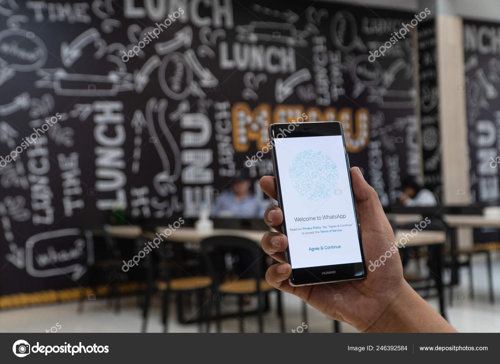 Chiang Mai Thailand Jan 2019 Man Holding Oneplus Whatsapp