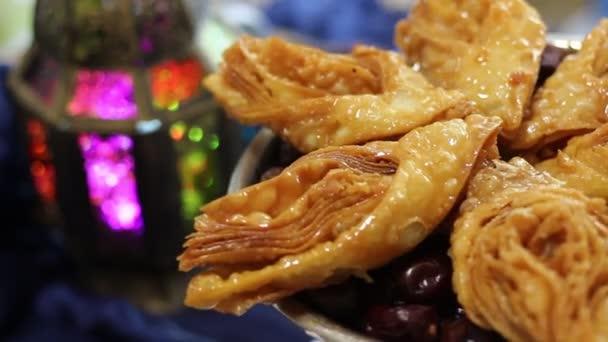Ramadán orientální zákusků a sladkostí. Ramadán Kareem slavnostní