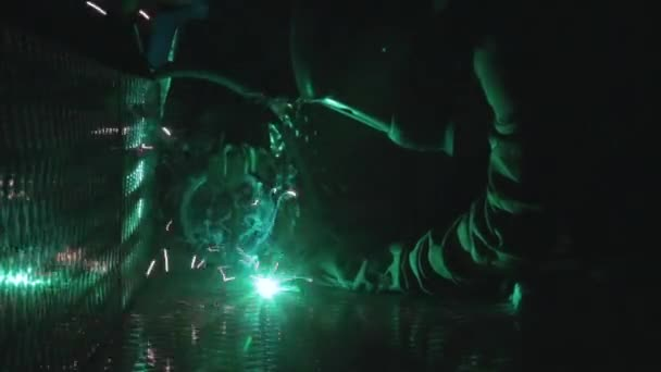 Pracovník s laserové svařování