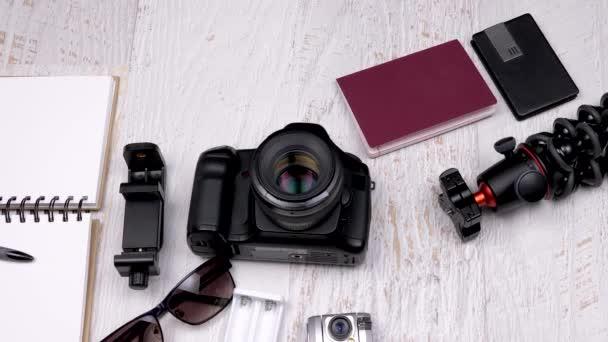 Cestovní fotograf fotoaparát a další příslušenství