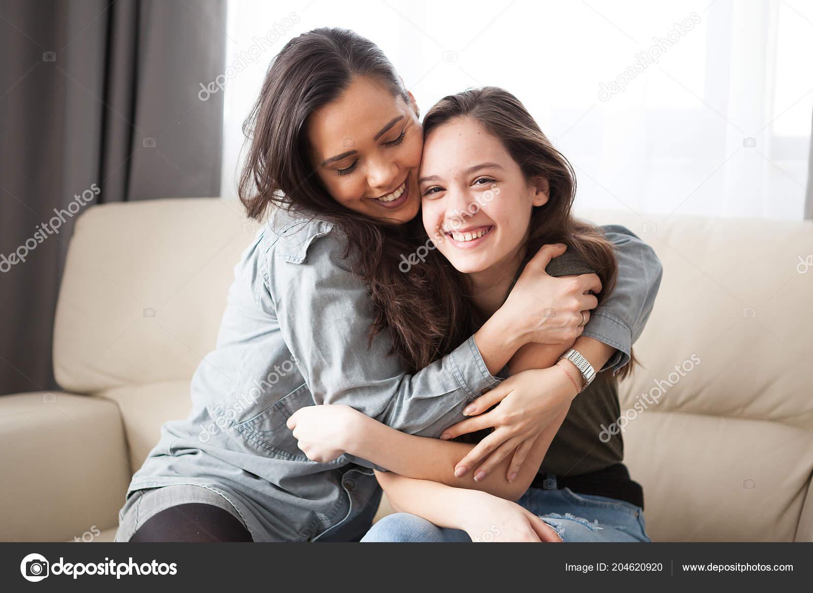 Русское порно как брат трахнул молодую сестру, Инцест. Брат и сестра. Мать и сын. И так далее Форум 15 фотография