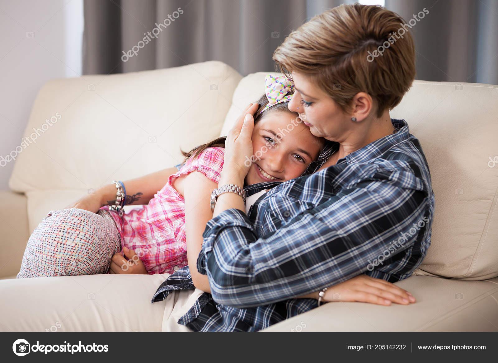 Трхнул свою маму, Как сын трахает маму уникальное видео в качестве HD 21 фотография