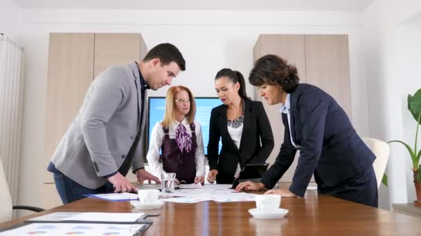 Business people brainstormin new ideas