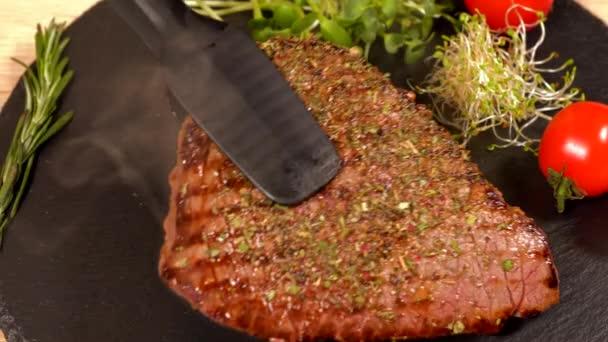 Kuchař, části Grilovaný hovězí biftek