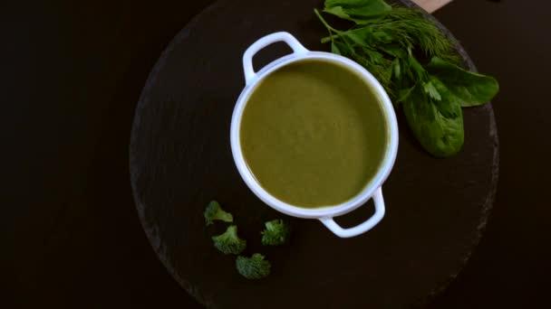 Finom egészséges házi brokkoli leves