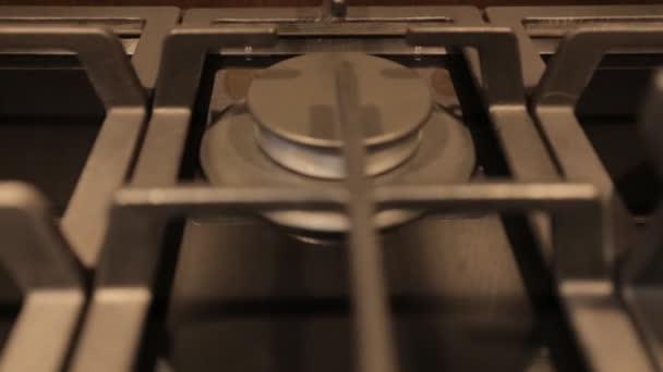 Moderní plynový sporák hořák, close-up, kamna