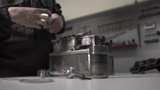 Mechanik je nahrazení hydroaccumulator v automatickou převodovkou Dsg, robot