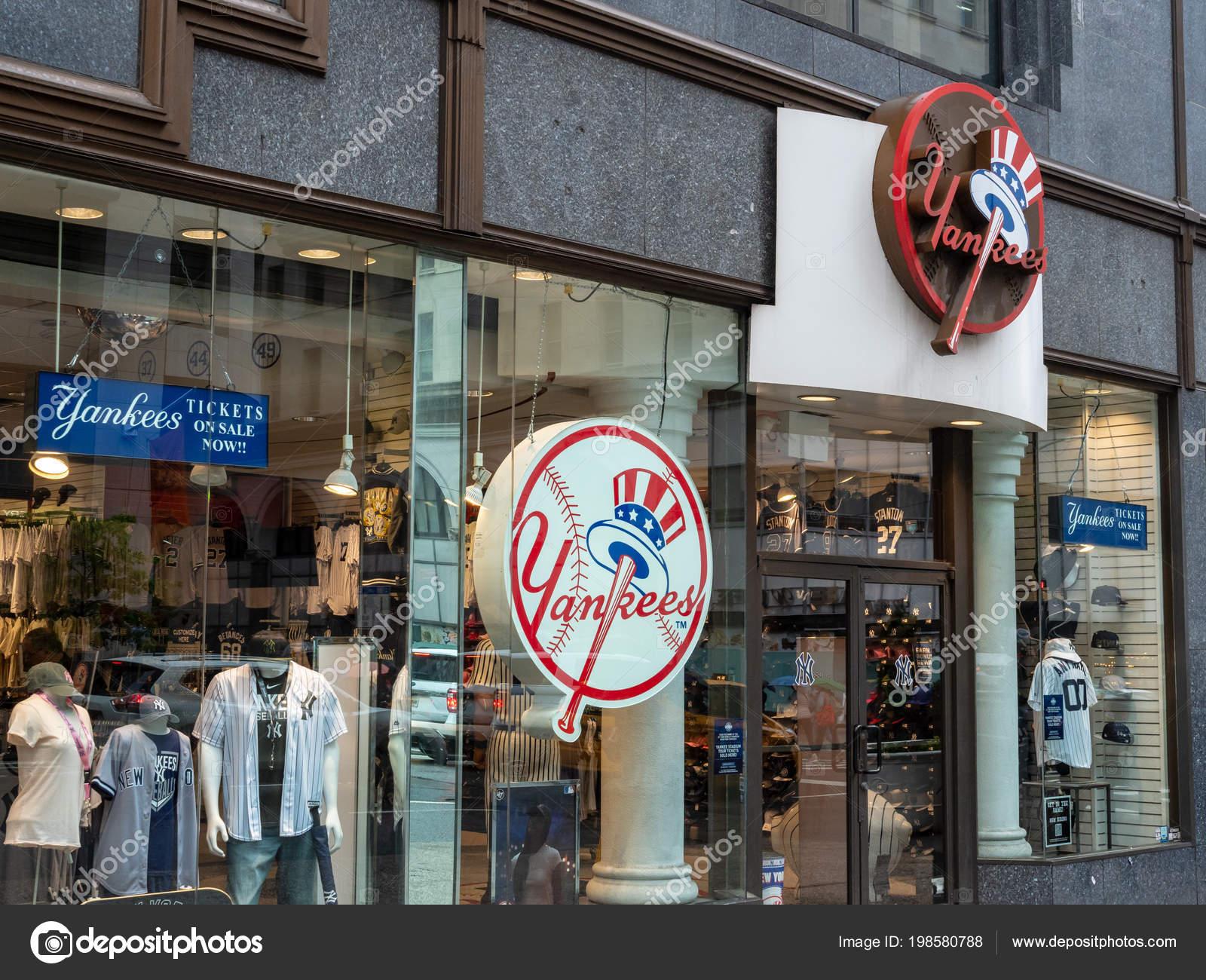 cf4c2a4dd9db2 Frente Mayo 2018 Tienda Nueva York Del Equipo Yankees Nueva — Foto de Stock