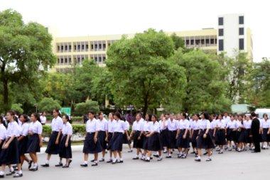 Taylandlı öğrenciler yürüyüş Tayland, arka plan için öğrencilerin lise bulanık
