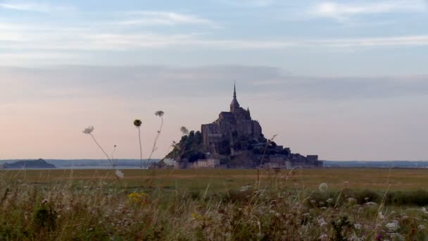 Panning of the Amazing Area Surrounding Old Mont Saint Michel Structure