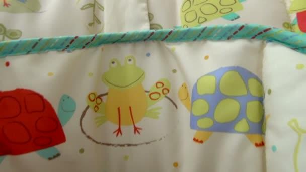 Pan neerwaartse baby rusten slapen rustig met ontworpen kussens