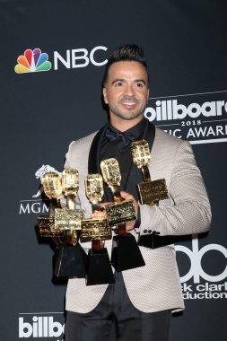 LAS VEGAS - MAY 20:  Luis Fonsi at the 2018 Billboard Music Awards at MGM Grand Garden Arena on May 20, 2018 in Las Vegas, NV