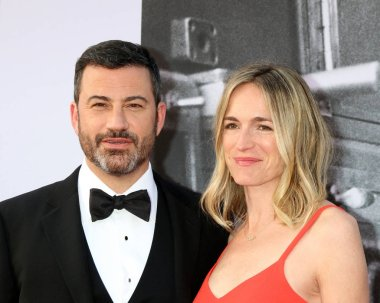 LOS ANGELES - JUN 7:  Jimmy Kimmel, Molly McNearney at the American Film Institute Lifetime Achievement Award to George Clooney at the Dolby Theater on June 7, 2018 in Los Angeles, CA