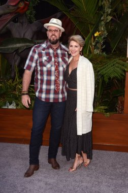 LOS ANGELES - JUN 12:  Chris Sullivan, Rachel Reichard at the