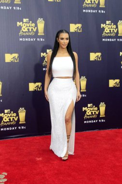 LOS ANGELES - JUN 16:  Kim Kardashian at the 2018 MTV Movie And TV Awards at the Barker Hanger on June 16, 2018 in Santa Monica, CA