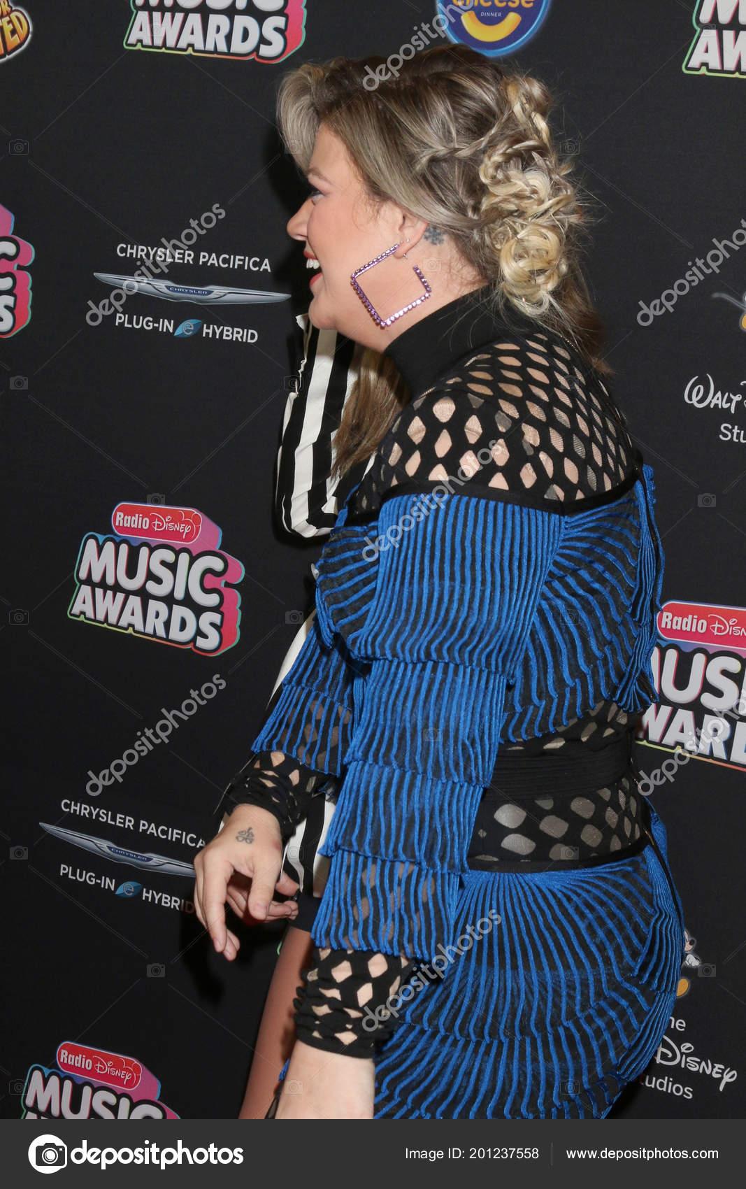 Los Angeles Jun Kelly Clarkson 2018 Radio Disney Music Awards ...