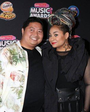 LOS ANGELES - JUN 22:  Jason Rogel, Raven-Symone at the 2018 Radio Disney Music Awards at the Loews Hotel on June 22, 2018 in Los Angeles, CA